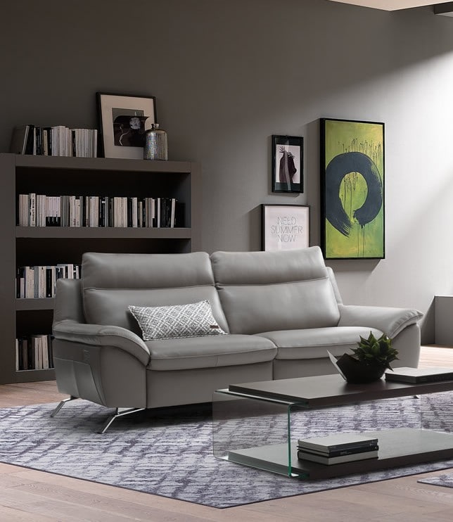 Brilliant Leather Vs Fabric Sofa Why Leather Always Wins Leather Squirreltailoven Fun Painted Chair Ideas Images Squirreltailovenorg