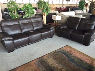 Natuzzi B875 Power Sofa and Power Loveseat