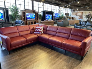 C131 Natuzzi Idimenticabile Ruby Red Sectional